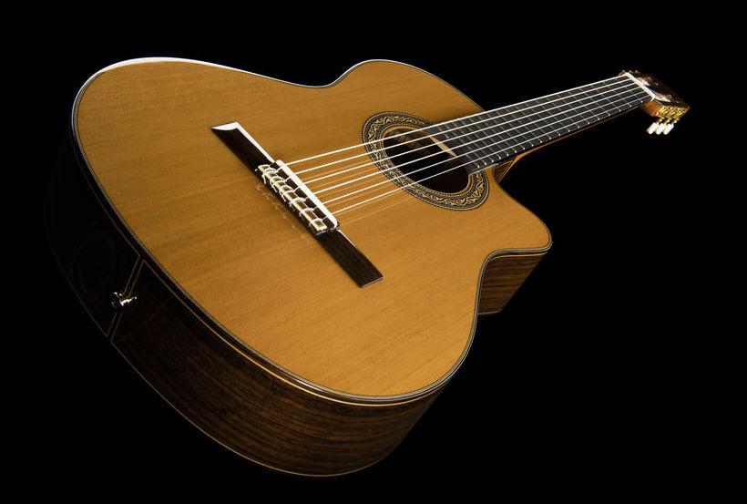 Ramirez 4NCWE Electro classical guitar